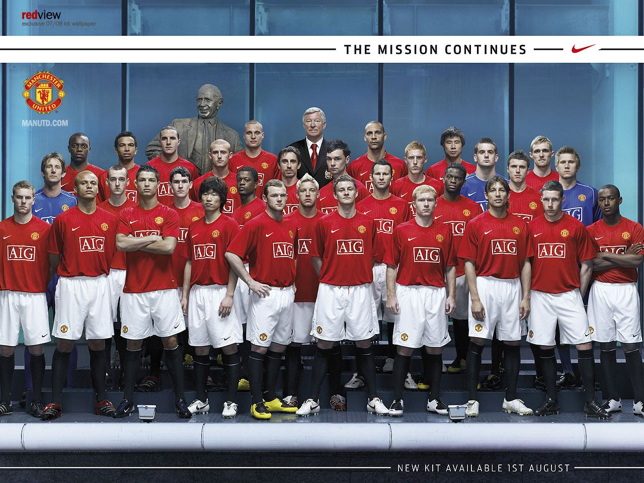 http://jagadfakta.files.wordpress.com/2011/07/manchester-united-home-kit-07-08.jpg